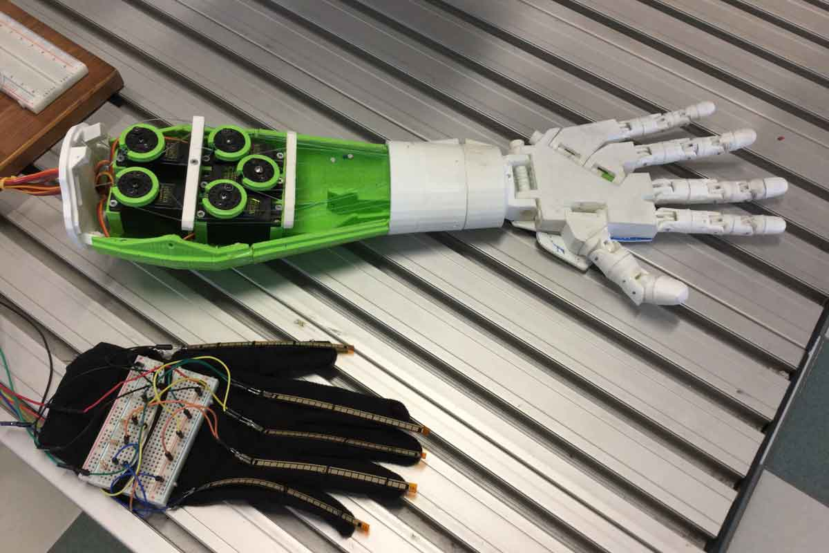 Robotic hand: with 3D printing is now a reality